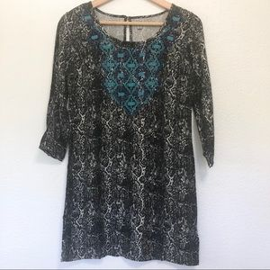 Ecote Snakeskin Embroidered Tunic Size Small